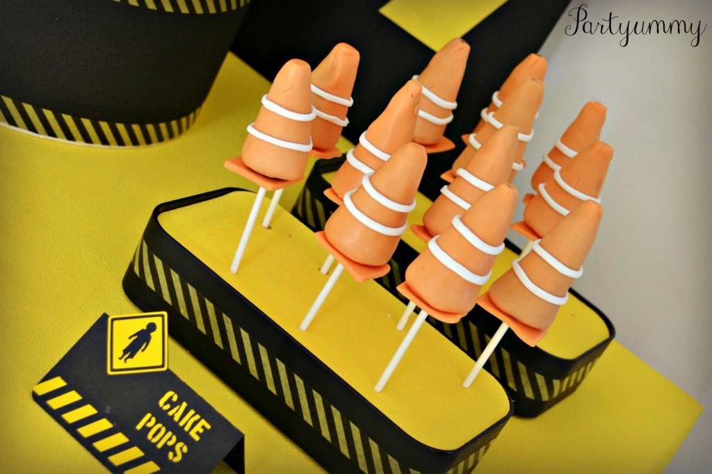 anniversaire-chantier-cake-pops-cones