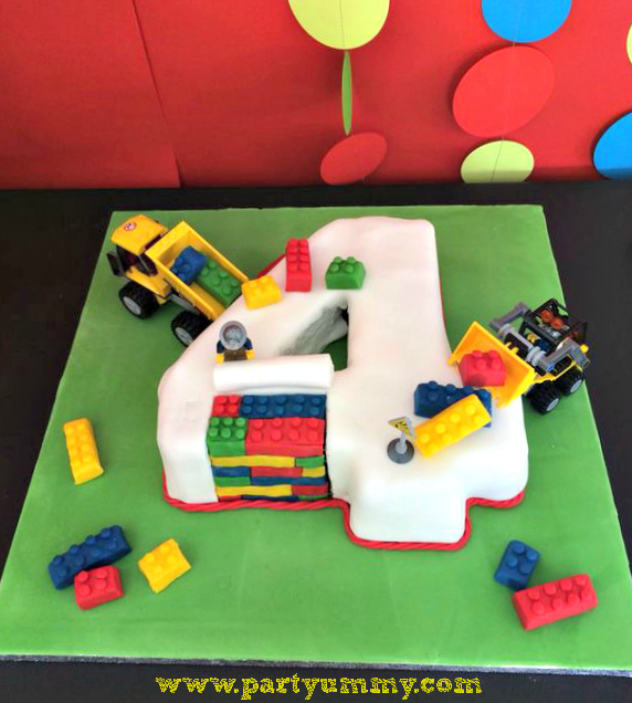 Cake Decorating Ideas For 4 Year Old Boy : Gateau Lego