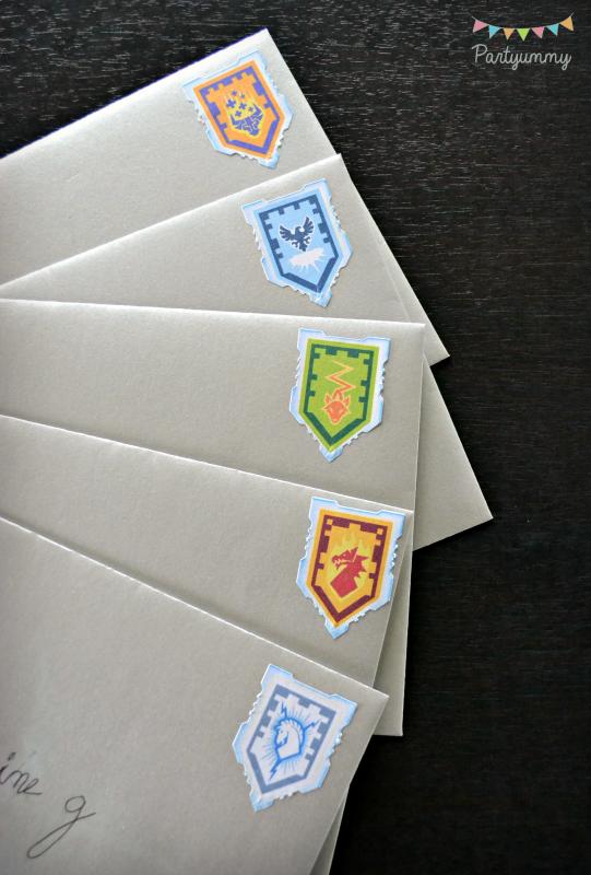 anniversaire-lego-nexo-knigths-invitation-enveloppe-boucliers