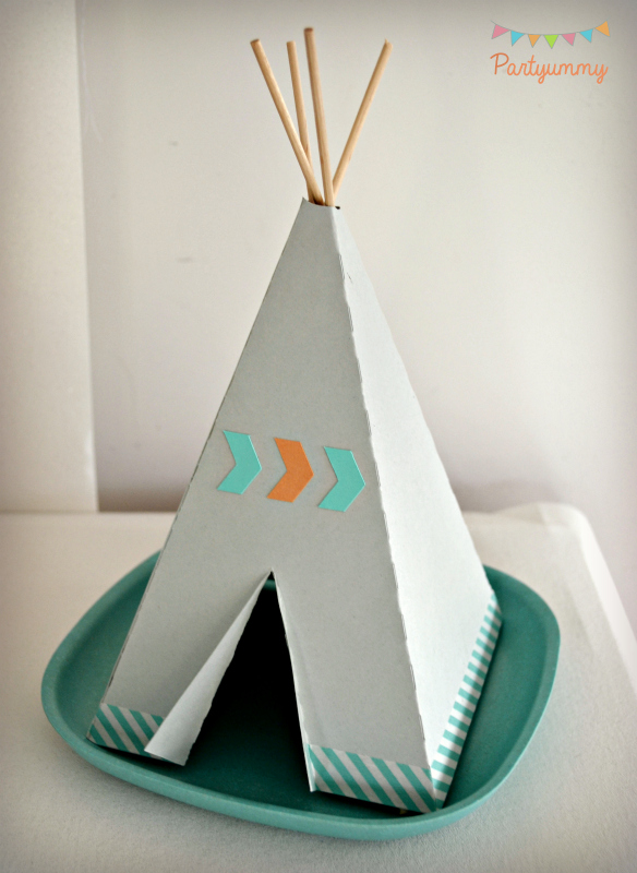 anniversaire-indien-mini-tipi-teepee-decoupe-carton-origami