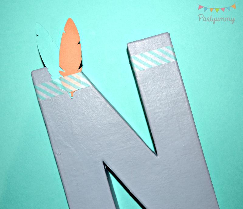 decoraton-lettre-prenom-3D-peinture-masking-tape-plume-fleche-indien