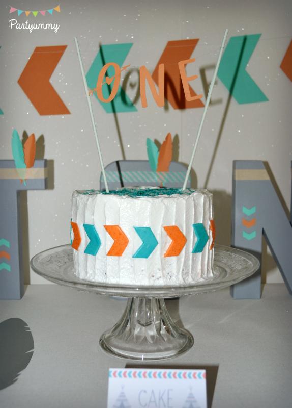 gateau-theme-indien-fleche-meringue-banderole-cake-bunting-arrow