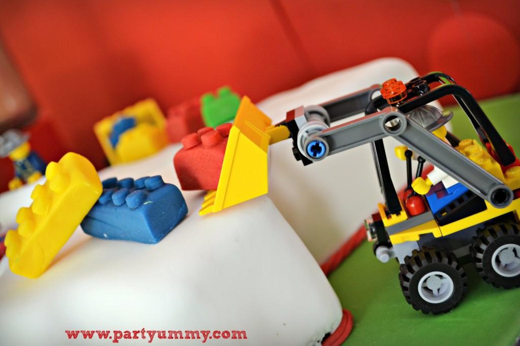 gateau-anniversaire-lego-travaux-briques-5