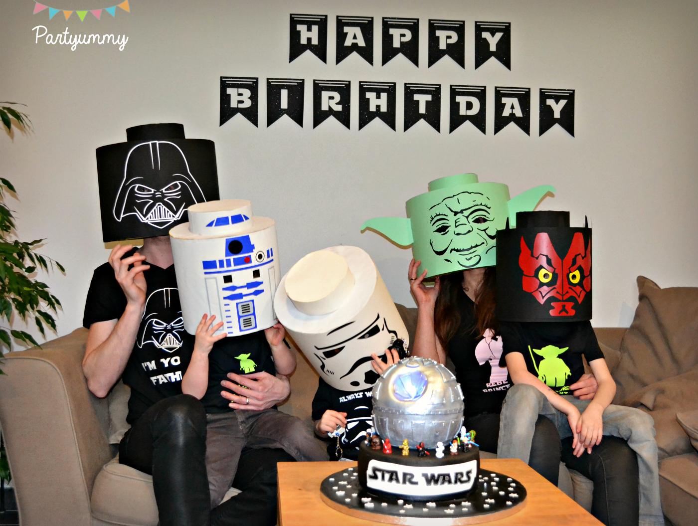 famille-lego-star-wars-deguisement-tete-vador-stormtrooper-r2d2-yoda-maul