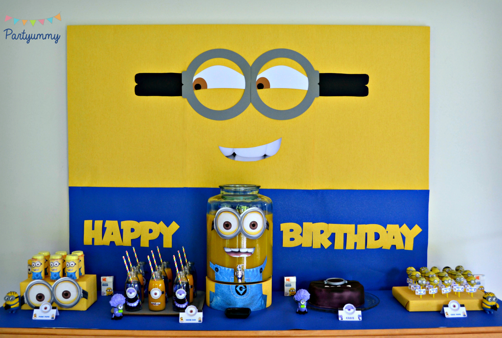 anniversaire-minion-sweet-table-candy-bar-dessert