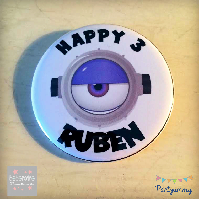 badge-minion-anniversaire-violet