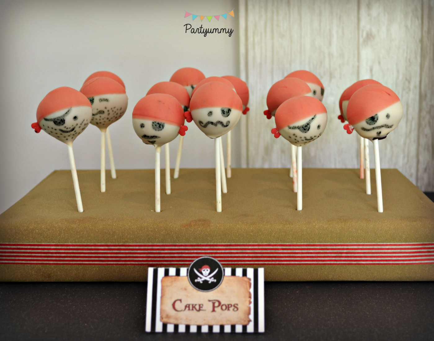 cake-pop-pirate-sweet-table