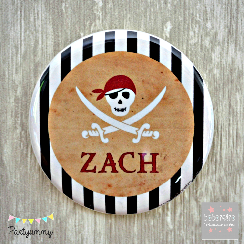 badge-pirate-logo-tete-de-mort-skull