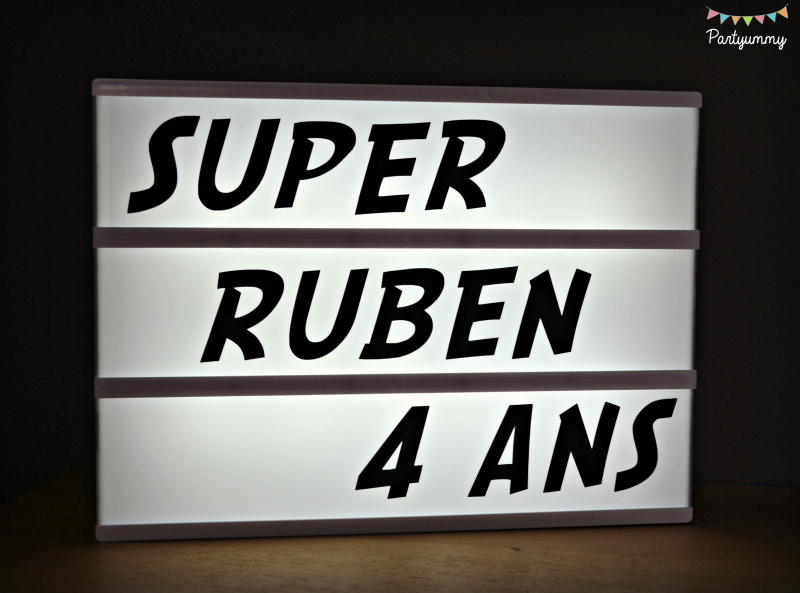 message-lightbox-personnalise-font-superhero