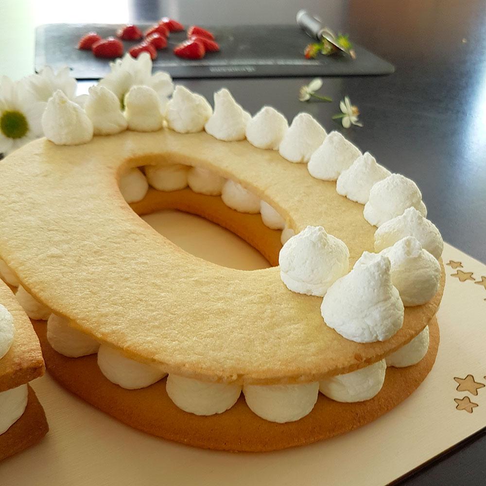Tuto number cake chiffre nombre 40 avec pâte sablés, chantilly mascarpone et fraises